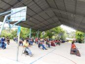 Docentes de Rio Dulce, Livingston Izabal participan en la evaluación bilingüe Q'eqchi' en las instalaciones de la EscuelaOficial Rural Mixta Zoila Angelina Sosa Avilés aldea San Antonio seja Livingston.