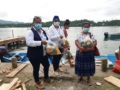 Realizan la 3ra. entrega de Alimentación Escolar a madres de familia de los niños que asisten a la Escuela Oficial Rural Mixta Aldea Barra Lámpara, Livingston Izabal