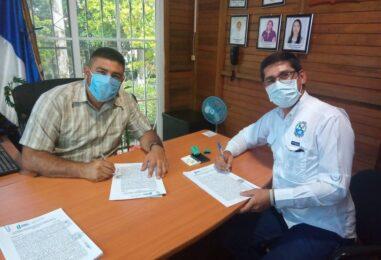 El Gobernador Departamental de Izabal Lic. Héctor Alarcón llevó a cabo la firma de nueve convenios junto al Ing. Daniel Esaú Pinto Alcalde del Municipio de Livingston