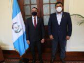 El Sr. Gobernador de Izabal Héctor Alarcón sostuvo una reunión con el Quinto Viceministro de Gobernación Lic. Fernando Rodas De León