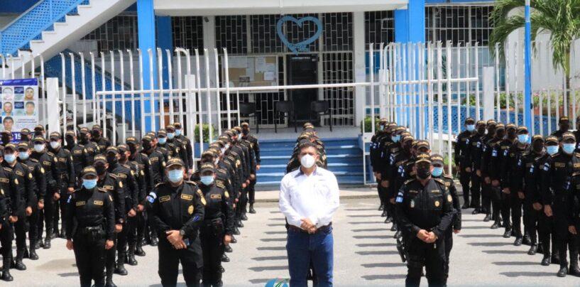 Gobernador Departametal, recibió a 88 nuevos elementos de la Policía Nacional Civil – PNC -, quienes vendrán a fortalecer la seguridad de nuestro Departamento