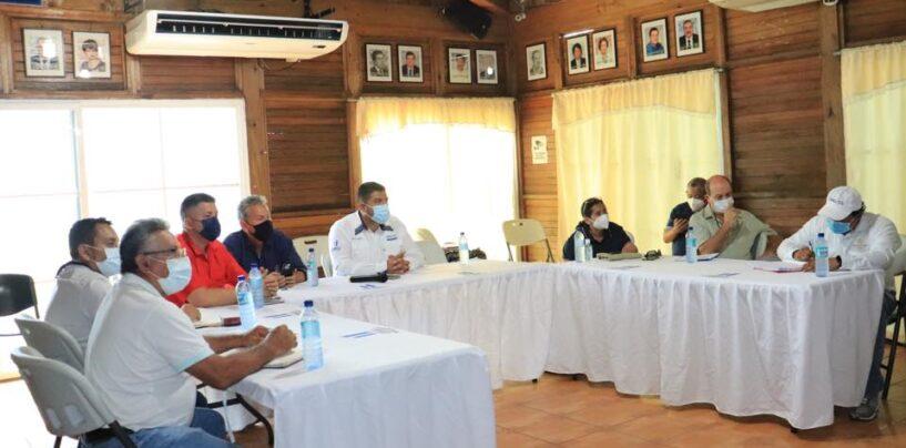 El Sr. Gobernador Departamental, presidió reunión para dar a conocer la situación del Covid-19 en el Departamento de Izabal