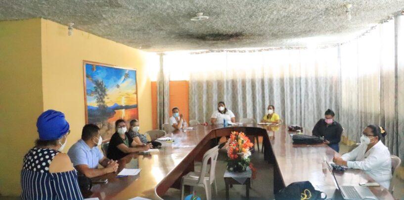 El Sr. Gobernador Departamental de Izabal, Lic. Héctor Alarcón, fue partícipe de la Mesa Técnica Departamental en atención a la emergencia COVID-19 la cual se llevó a cabo en las instalaciones de la Sala de Catedráticos del Instituto Nacional de Educación Básica Experimental.