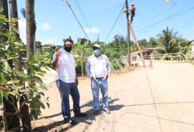 El Sr. Gobernador Departamental, Lic. Héctor Alarcón, realizó una supervisión al Proyecto Mejoramiento calle Principal, Colonia las Palmeras Puerto Barrios Izabal